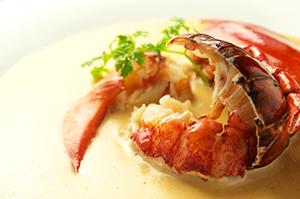 【6月限定ランチ・アラカルトメニュー】オーナーシェフ自ら厳選した新鮮な海の幸を使ったオリジナルメニューが充実。 見て美しく、食べておいしく、心躍る海の幸イタリアンをお楽しみください!